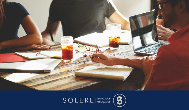 Solere-Avocats.Fr - Photo montrant une réunion d'entreprise pour l'article intitulé Comment Créer une Entreprise au Brésil?